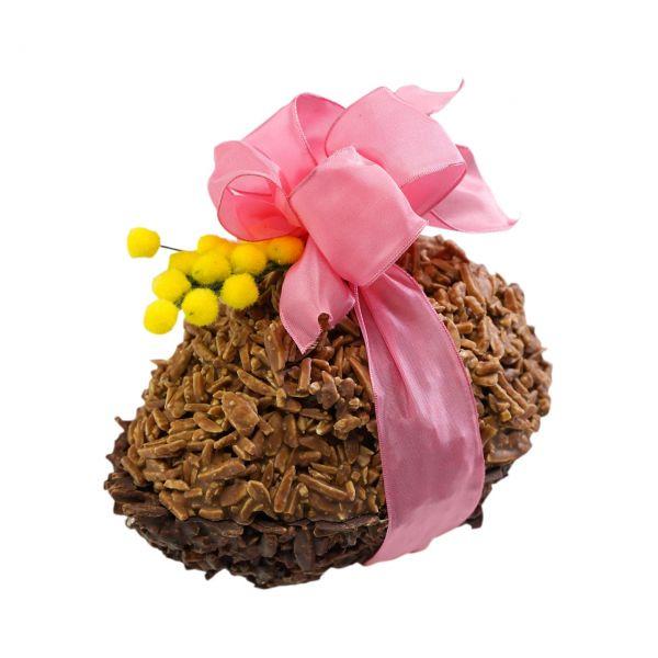 Mandelberg-Ei mit Pralinen gefüllt